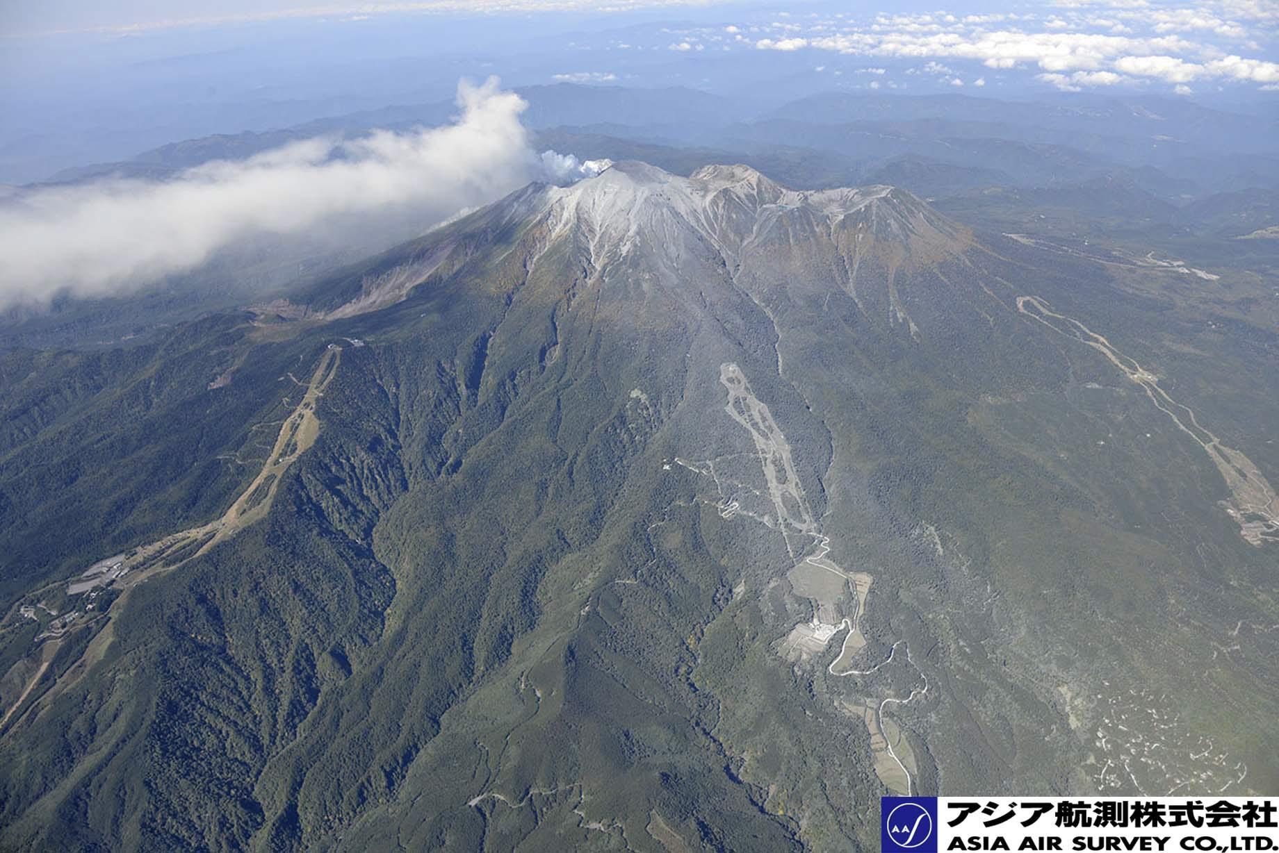御嶽山噴火写真_斜め1