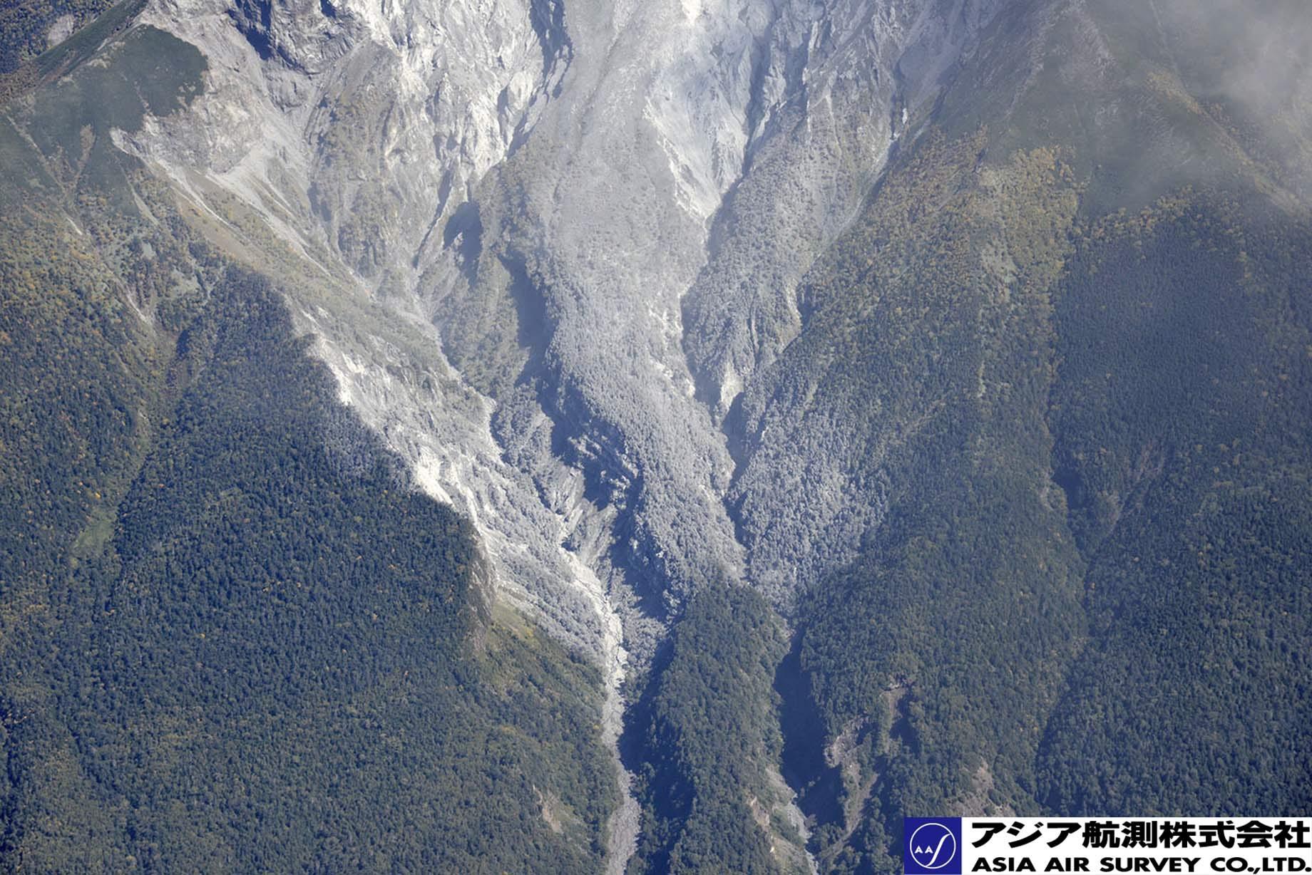 御嶽山噴火写真_斜め18