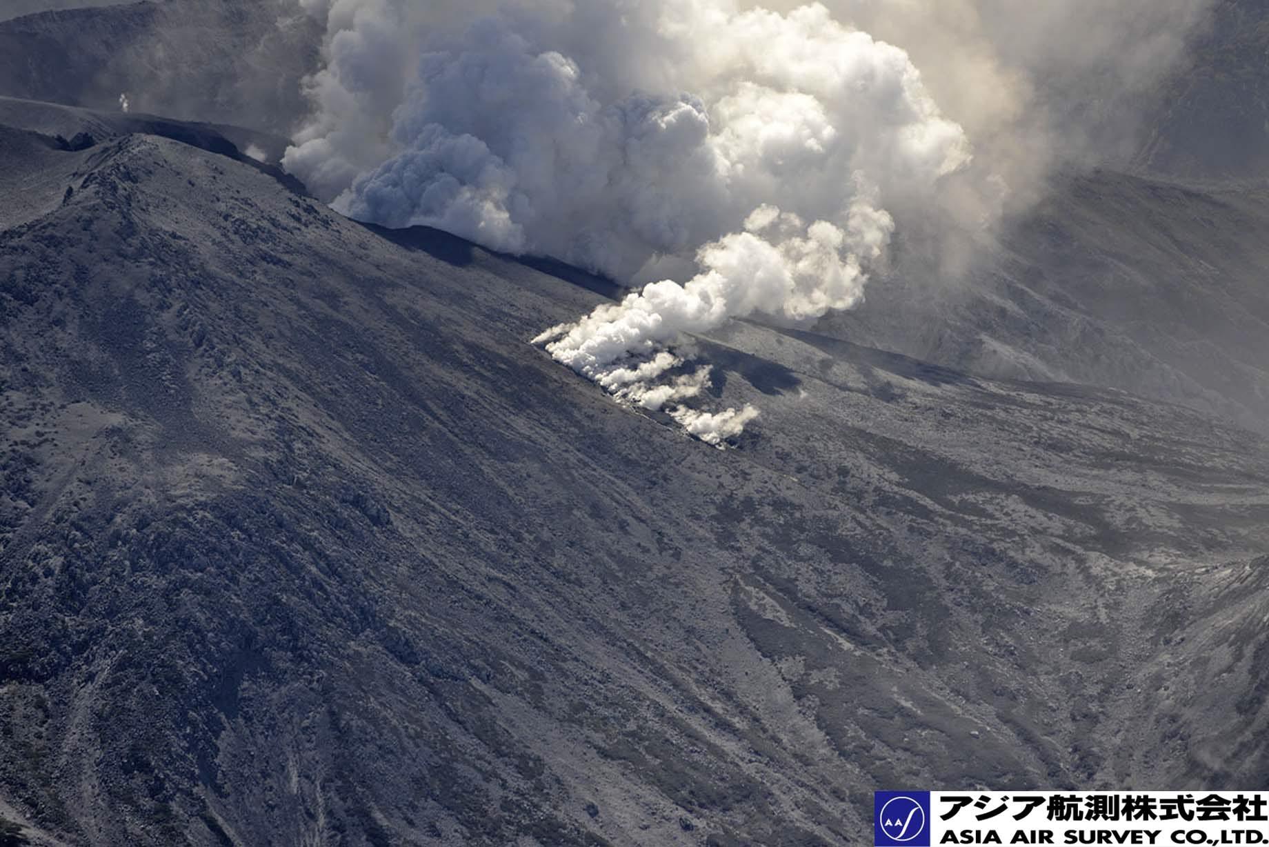 御嶽山噴火写真_斜め15