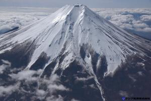 富士山スラッシュ雪崩 斜め空中写真_1