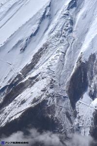 富士山スラッシュ雪崩 斜め空中写真_2