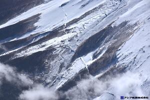 富士山スラッシュ雪崩 斜め空中写真_5