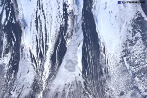 富士山スラッシュ雪崩 斜め空中写真_8